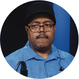 Dennis Chambers, an instructor for Drumeo.