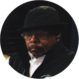 Harvey Mason, an instructor for Drumeo.